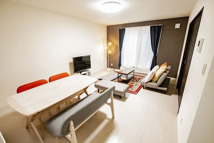 Comfort private house! /Free parking/Max8ppl/WIFI
