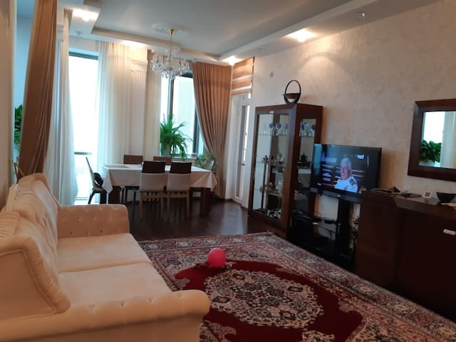 5men apartment with sea view in the center of Baku