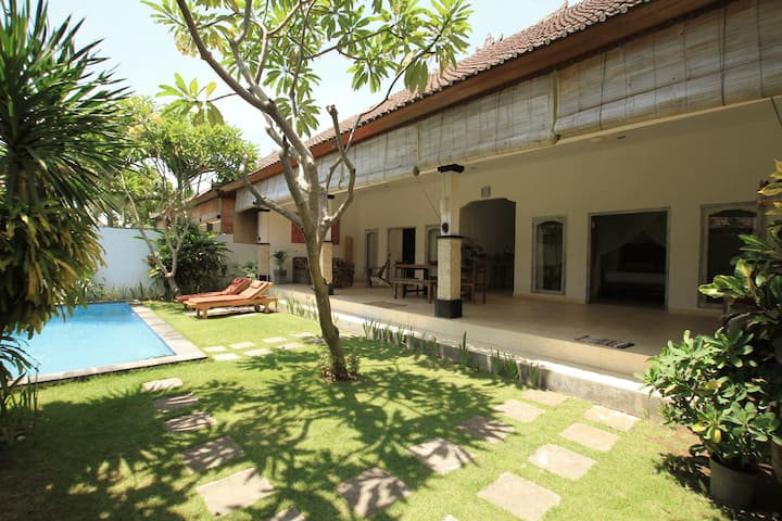 BIG 2BR Villa Center of Seminyak-2min to the beach