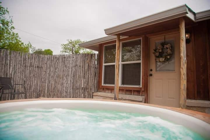 Chardonnay Hideaway | Hot Tub | Walking Distance to Main St!