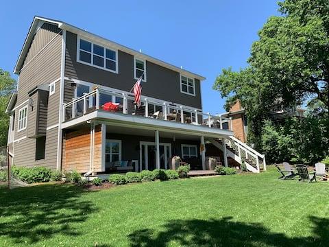 Ultraluxe Lake House (on Medicine Lake!)