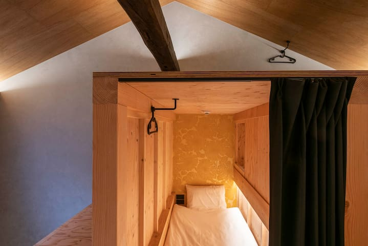 famous capsule style of bedroom with closet inside