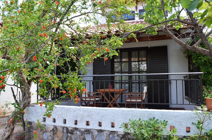 Cosy house in Stoupa (2-4 persons)