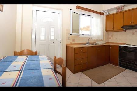 BoukaBeach Cozy Apartments 1 - Messini