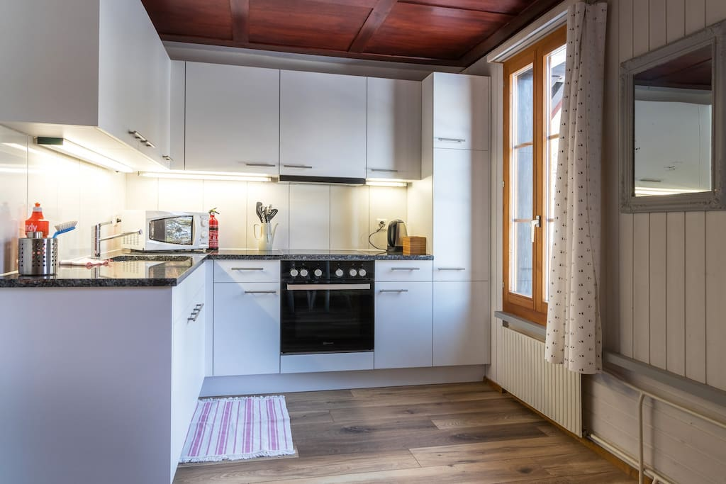 Ula's Holiday Apartments - One Bedroom Apartment Kitchen