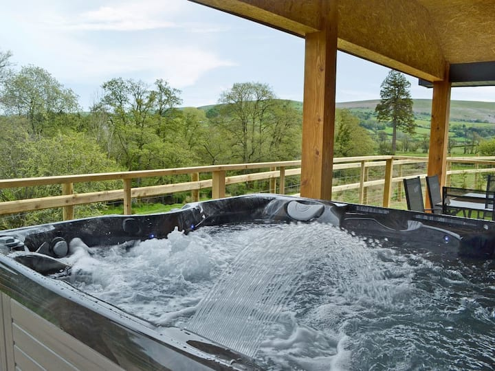 River Lodge - UK6650 (UK6650)