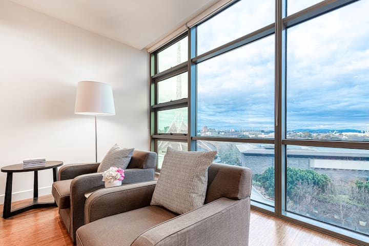 Exclusive Luxury Home in Southbank +  FREE Parking