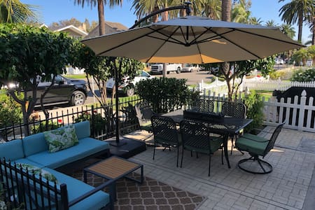 CA lifestyle: front Patio, beach & restaurants