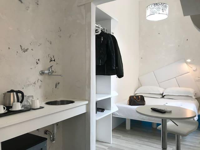 Near Termini Station, Design and Luxury Room!!!
