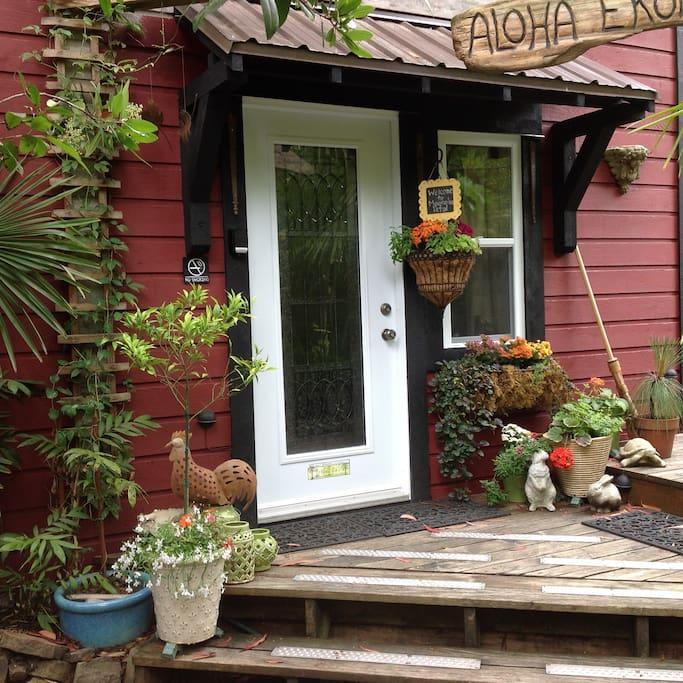 Magnolia Petal Suite Accommodation Entrance