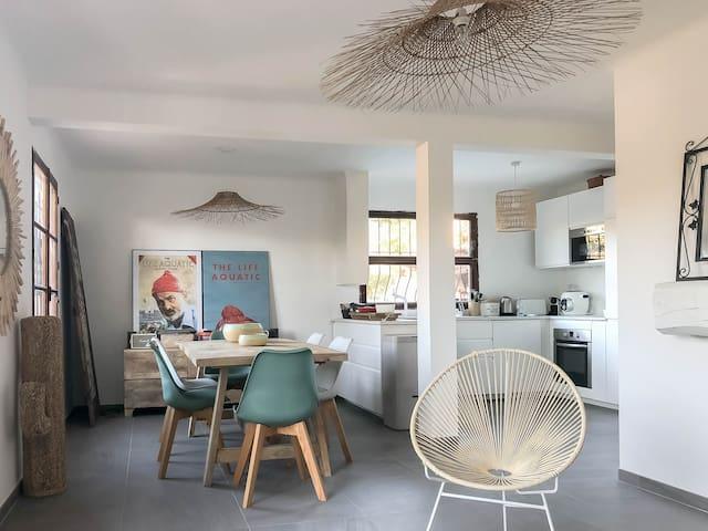 Maison avec piscine et 400 m de la plage