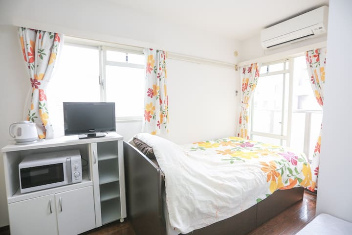 Brand New! 5 mins to station, Cozy studio
