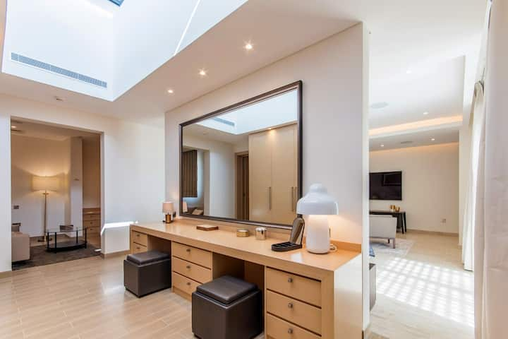 Luxury Villa 5+2 |Pool&Garden| Prime Location