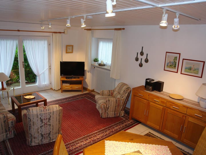 Schwarzwälder Ferienwohnungen - Haus Talblick, (Seelbach), Whg. 2 Talblickapartment, 70qm, 2 Schlafräume, 1 Wohnraum, WC und Dusche