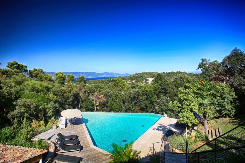 Cap benat 117538 ville in affitto a bormes les mimosas for Camping bormes les mimosas piscine