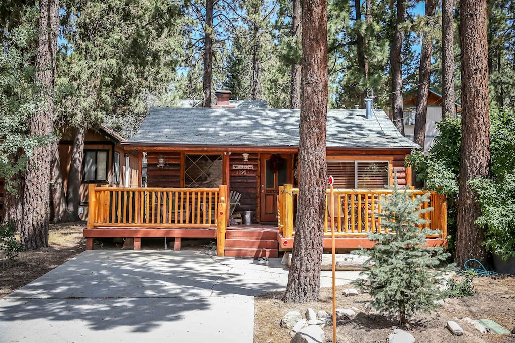 Lil bear romantic warm cozy log cabin cabins for rent Big bear lakefront cabins for rent