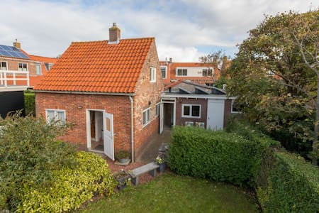 Quaint Holiday Home in Domburg with Terrace