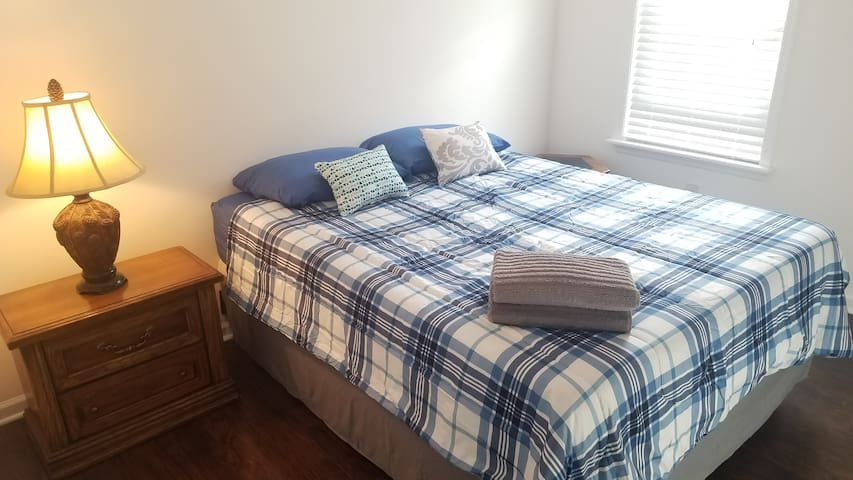 New Private Bedroom, Easy Access To Manhattan, NYC
