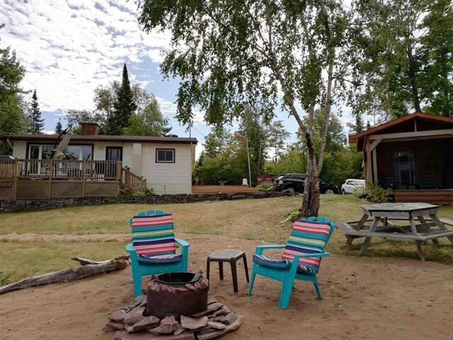 Havilland Bay Cottage on Beautiful Lake Superior