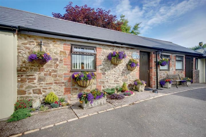 The Old Stables, Woolsery