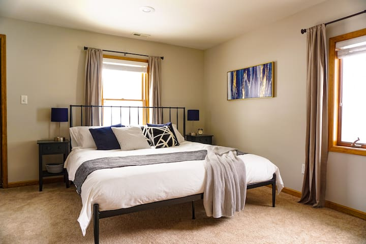 """The 2nd bedroom has a king bed, 32"""" TV and access to the upper balcony and jack-and-jill bathroom."""