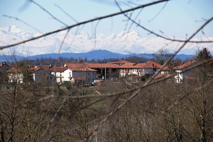 Il Germoglio - affitta camere in cascina - Roatto - Penzion (B&B)