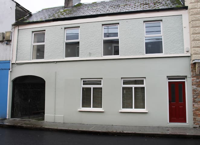 No. 2 Castle Street