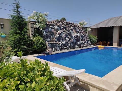 Gemütliche Villa mit 5 Schlafzimmern und Pool