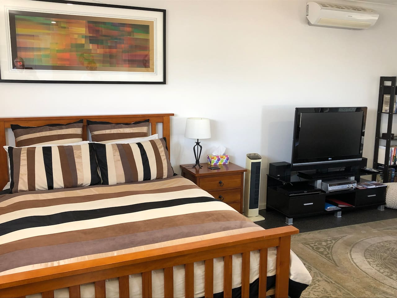 St Leonards is a great place to enjoy the Bellarine Peninsula or to just simply relax. Where better than this fully self-contained Studio Apartment.