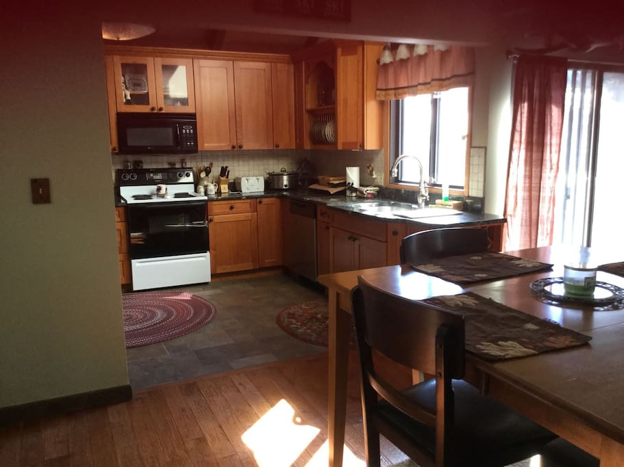Clearbrook Town Home Fully Equipped Open Concept Kitchen and Dining Area