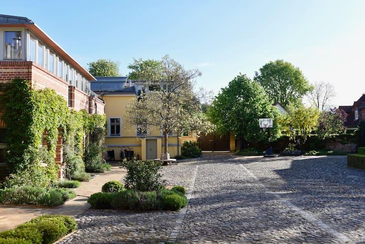 Wunderschöne Wohnung zwischen Potsdam und Berlin!