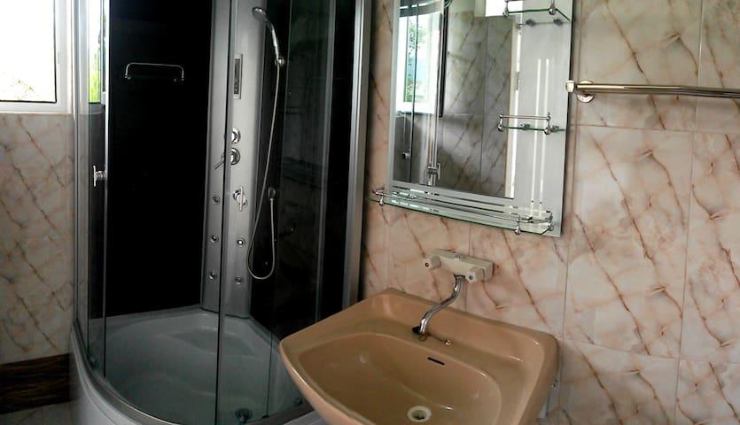 Аренда 2-го этажа дома - Batumi - Pis