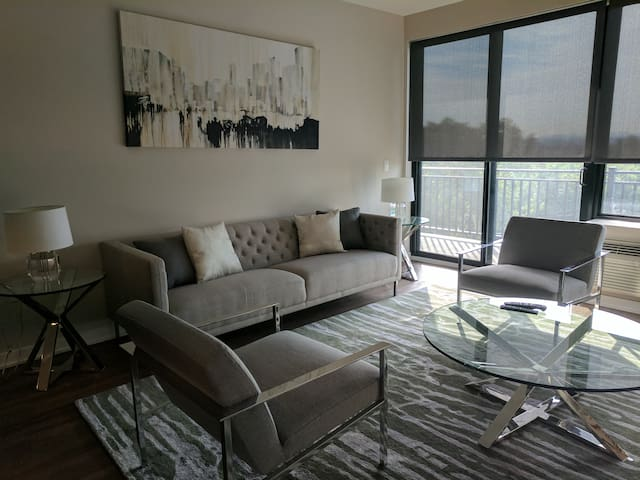 Luxury 2 Bedroom Apartment Near NYC #203