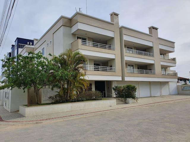 Edifício Açaí - Apartamento 101 - Mariscal