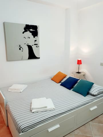NEW! Cheap & Cozy Flat - San John Lateran Area