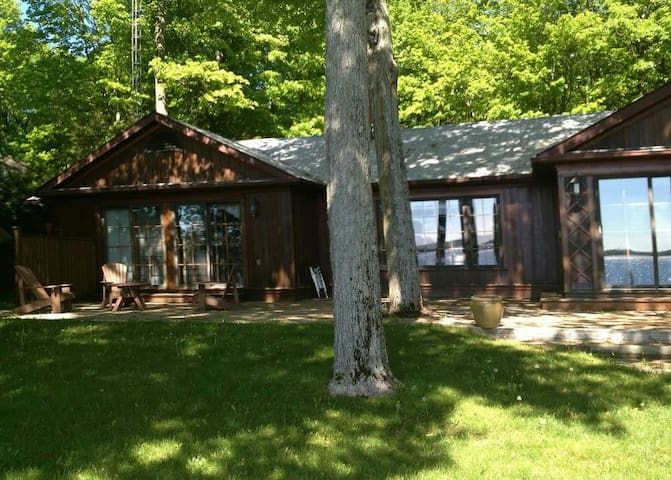 Upscale Cottage on Balsam Lake
