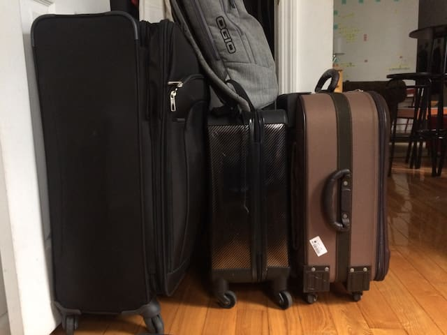 On the day you checkout, you are welcome to leave your bags at my place as long as you want. Your last day in New York should be spent sightseeing, not waiting in line at a dreary Midtown luggage storage facility. And you'll save some $$$.