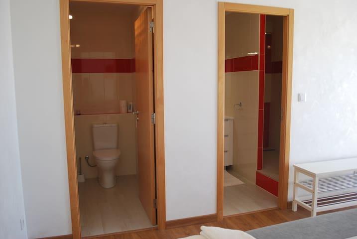 salle d'eau,douche a l'italienne ,wc