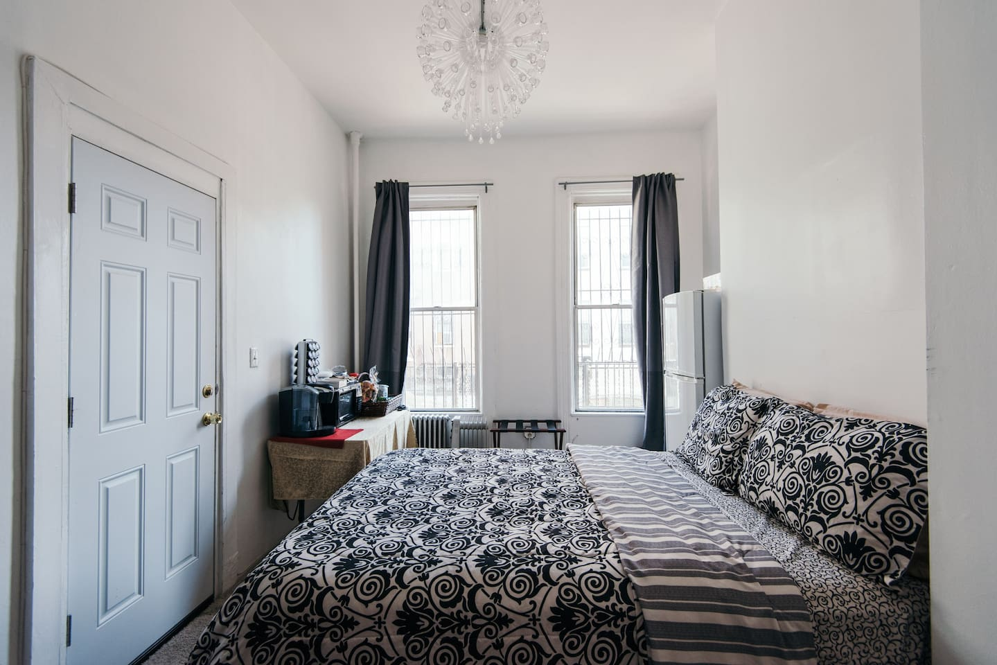 High ceilings and plenty of sun shine but if you like the dark, the curtains can completely block the light