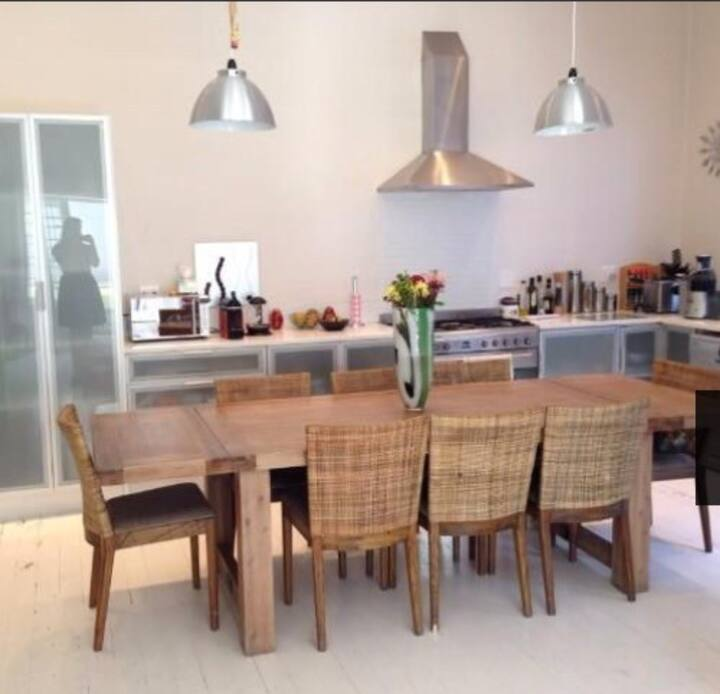 Room To Let in charming Sea Point home 2