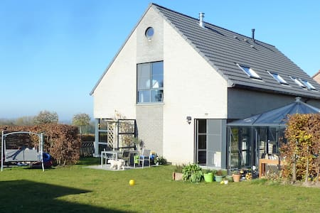 Spacious studio near Brussels - Dilbeek - Villa