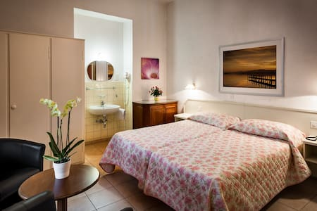 EasyRooms dell'Angelo Piazza Grande, Double 2