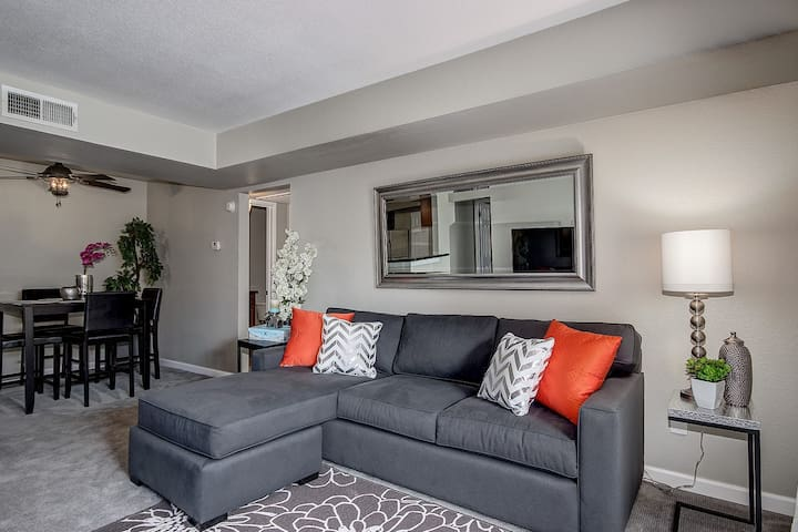 Scottsdale Condo near Old Town! - Scottsdale - Lejlighed