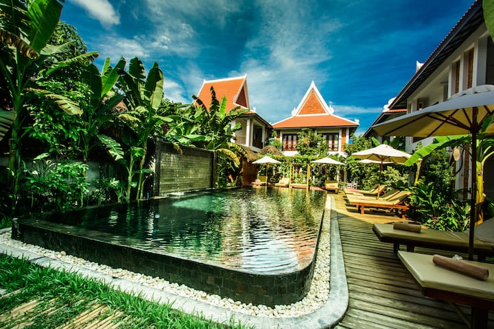 Deluxe Twin Pool View : Chez Moi Residence - Krong Siem Reap - Bed & Breakfast