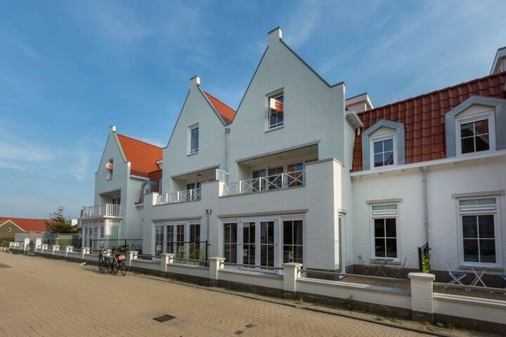 Beautiful Seaside Apartment in Koudekerke