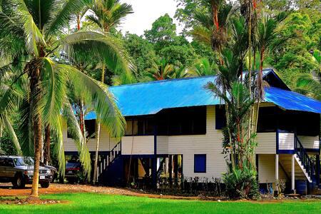 15-Person Caribbean Plantation House