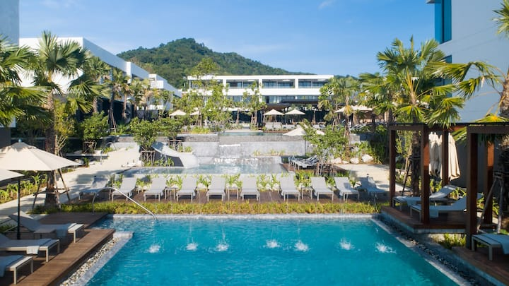 7 private 1-bedroom suites - 10 min Naiharn Beach