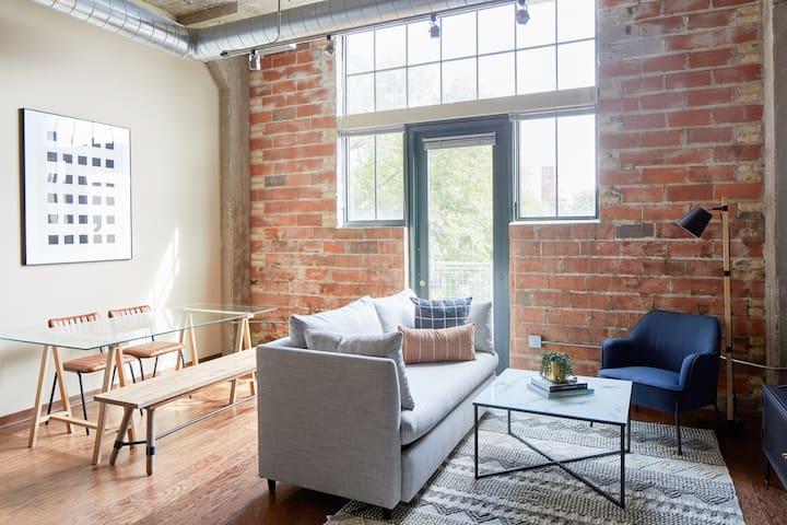 Sonder | Washington Suites | Sunny 2BR + Terrace