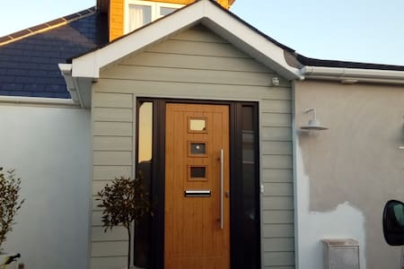 Modern chalet bungalow in Hengistbury Head - Bournemouth - Casa