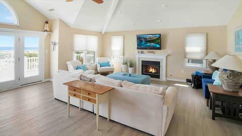 Beachfront 4 bedroom  with stunning ocean views
